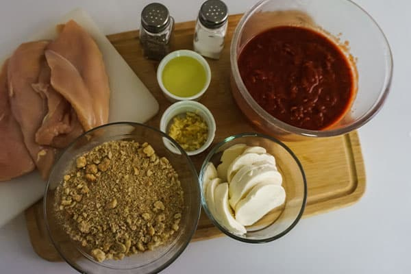 ingredients needed to make Homemade Chicken Parmesan